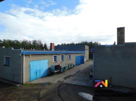 Zakład przemysłowy w okolicy Strzegomia