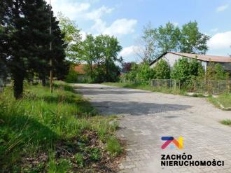 Plac-parking w świetnej lokalizacji w Bielawie.
